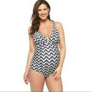 Maternity Liz Lange Chevron Swim Suit